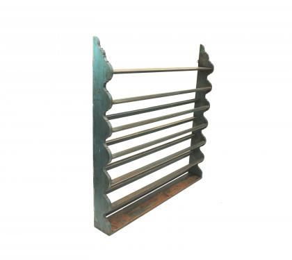 Pine Scalloped Hanging Plate Rack