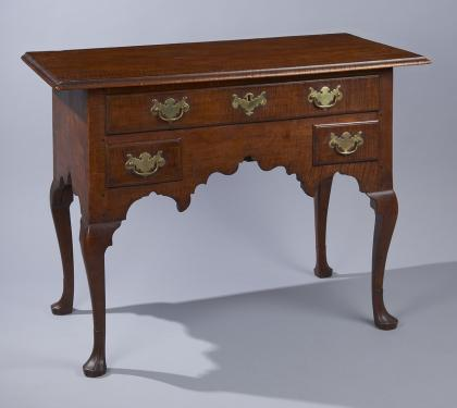Tiger Maple Queen Anne Dressing Table