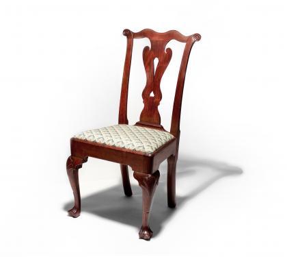 Fine Walnut Queen Anne Side Chair