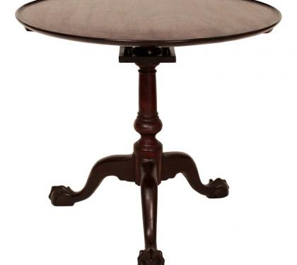 18th Century Philadelphia Mahogany Chippendale Tea Table